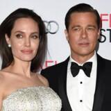 Lidt mere end 10 år blev det til for Brad Pitt og Angelina Jolie, før de måtte kaste håndklædet i ringen og søge om skilsmisse. Klik videre og se billederne fra deres liv sammen.