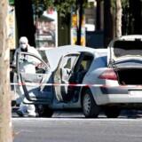 Fransk politi efterforsker heftigt personer, der muligvis er blevet radikaliserede. De har nu beslaglagt en mængde våben, der er fundet hos en mand, der den 19. juni påkørte en politibil i Paris. Manden er nu arresteret.