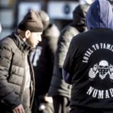 Den aftale, der skal sikre fire uger uden skyderier i den københavnske bandekonflikt, er forhandlet på plads i moskeén på Dortheavej i Københavns Nordvestkvarter.