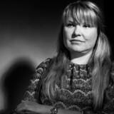 Irene Ellert, som i en årrække fabrikerede skuffeselskaber, som rige russere kanaliserede millioner igennem. Hun fortæller om den helt særlige måde at drive forretning, som er blevet voldsomt kritiseret for skattesnyd og hvidvask.
