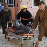 Mindst 17 blev såret under det fire timer lange angreb, som er det seneste af en stribe angreb mod medier og journalister i det krigshærgede land.
