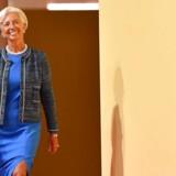»Programmet giver plads til at mobilisere støtte til Grækenlands dybdegående, strukturelle reformer. Det indeholder også en plan for, hvordan Grækenlands europæiske partnere kan give landet yderligere lindring af gælden«, siger IMF-chef Christine Lagarde.