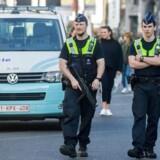 Ekstra betjente blev beordret på gaderne i timerne efter, at angrebet på gågaden De Meir blev forpurret. Her ses betjente på patrulje på netop De Meir.