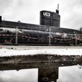 (ARKIV) Peter Madsen's ubåd UC3 Nautilus er i politiets varetægt og står bag hegn i Nordhavnen i København mandag den 11. september 2017. Serie om Kim Walls død bliver trukket tilbage. Timingen var forkert, siger forlagsdirektør. Det skriver Ritzau, fredag den 29. december 2017.. (Foto: Mads Claus Rasmussen/Scanpix 2017)