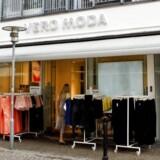 Medejerne af tøjgiganten Bestseller i Kina, Allan Warburg og Dan Friis, er blandt de danskere, der har oprettet selskaber i caribisk skattely
