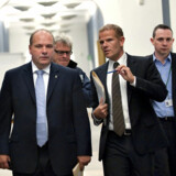 Forsvarsminister Søren Gade ankommer til møde i Udenrigspolitisk Nævn torsdag den 24. september på Christiansborg.