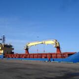 Besætningen fra fragtskibet Leopard har i mere end en uge været holdt som gidsler i Somalia.