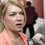 Lisbeth Bech Poulsen, politisk ordfører (SF): Vi stiller os kritiske overfor, at der er kommet nogle domme, som i alt for vid udstrækning udvider rettighederne til folk, der ikke nødvendigvis er en del af det danske samfund.