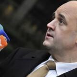 Sveriges statsminister Fredrik Reinfeldt bebuder en markant lavere selskabsskat næste år.