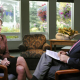 Sarah Palin ses her sammen med studieværten fra ABC News Charlie Gibson. Det er hendes første interview, siden hun blev McCains vicepræsidentkandidat.