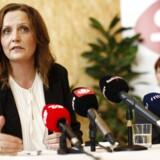 Selv om hun er godt klædt på til opgaven som SFs nye formand, vil det ikke lykkes Pia Olsen Dyhr at genrejse partiet, hvis dets interne kampe fortsætter, vurderer Berlingskes politiske kommentator Thomas Larsen. Her ses den nyslåede partiformand ved torsdagens præsentation.