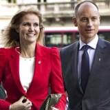 Helle Thorning og Steven Kinnock valgte lørdag i Politiken at fremlægge Skats ni siders afgørelse samt i et indlæg dementere rygter om Kinnocks seksualitet.