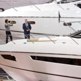De helt store yachts - som særligt rige kinesere er interesserede i - er ofte over 30 meter lange og koster op til 16 millioner dollars.