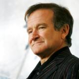 Den amerikanske skuespiller Robin Williams er død mandag 11. august 2014. Han blev 63 år - her poserer han for fotograferne 15. november 2005.