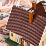 Boligejere kan midt i den finansielle krise glæde sig over lave renter på variabelt forrentede lån.