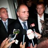 Forsvarsminister Søren Gade (V) sidder ganske solidt i sædet, mener den tidligere konservative forsvarsminister Hans Engell.