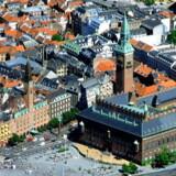 Det tager lidt kortere tid, fra en bolig udbydes til salg i København, til den er taget væk fra markedet igen - men dagens tal afslører ikke meget om, hvor mange der rent faktisk bliver solgt.