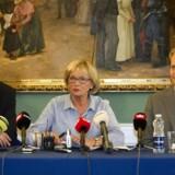 Kristian Thulesen Dahl, Pia Kjæsgaard og Peter Skaarup fra Dansk Folkeparti holder pressemøde mandag d. 29 august 2011 på Christiansborg.