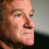 Den Oscar-vindende skuespiller og komiker Robin Williams blev fundet død i nat, dansk tid.