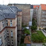 De faldende vurderinger af andelsboligerne i København kommer, efter at de blev hævet med 55 procent i 2004 og intet mindre end 150 procent i 2006