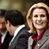 Statsministerkandidat Helle Thorning-Schmidt mener, at det er værd at overveje, om man bør indføre kvoter for andelen af kvinder i danske bestyrelser.