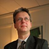 Kritikken hagler ned over Finanstilsynets Henrik Bjerre- Nielsens håndtering af TDC-sagen. Dertil siger han:  »Jeg skal forvalte loven inden for lovens rammer. Det mener jeg bestemt, jeg har gjort.«