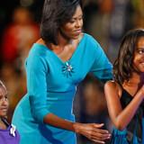 Barack Obamas kone Michelle og deres to døtre Malia og Sasha, bjergtog det demokratiske konvent i Denver.