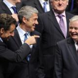 Efter at de sidste indrømmelser var givet og det sidste ultimatum var blevet efterlevet, kunne Europas ministre klokken 01 i går nat lade champagnepropperne springe for en ny traktataftale.