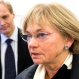 Pia Kjærsgaard vil ikke acceptere, at den tuneser, der er mistænkt for at ville dræbe tegneren Kurt Westergaard, angiveligt er på fri fod.