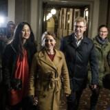 De fire spidskandidater i Københavns Kommune, Frank Jensen (S), Mia Nyegaard (B), Sisse Marie Welling (SF) og Ninna Hedeager Olsen (Ø), ankommer til Københavns Rådhus på valgaftenen den 21. november. De er enige om at pege på Frank Jensen som overborgmester.