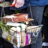Det er i høj grad årlige prisstigninger på fødevarer, husleje samt leje af sommerhus, der holder forbrugerprisstigningerne oppe i august 2017, skriver Danmarks Statistik.