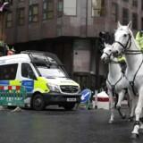 Britisk politi siger, at i alt fire personer - deriblandt angrebsmanden - blev dræbt ved angreb.