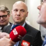 Anders Kühnau, chefforhandler for Regionerne, og FOA-formand Dennis Kristensen i Forligsinstitutionen. I morges indgik de som de første en aftale om en overenskomst.