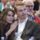 Dansk Folkeparti fortsatte søndag deres årsmøde i Herning Kongrescenter. Her ses medlem af Europa-Parlamentet Morten Messerschmidt med Dot Wesmann efter sin tale.