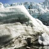 »Det samlede bidrag fra isen (på Grønland, red.) til den globale havvandsstigning vil være 7,42 meter, hvis den skulle smelte helt. Det er lidt højere end tidligere beregnet,« siger Peter Fretwell, der har skabt kortet over Grønland uden is.