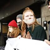 Studerende protesterer ude foran ministeriet, da uddannelses-og forskningsminister Søren Pind (V) og regeringens Udvalg om bedre universitetsuddannelser giver sine anbefalinger til, hvordan fremtidens universitetsuddannelser kan styrkes på et pressemøde i Uddannelses- og Forskningsministeriet.