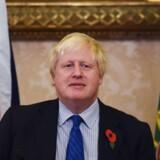 Den britiske udenrigsminister, Boris Johnson, siger tirsdag, at han vil forsøge at komme til at møde en fængslet iransk-britisk nødhjælpsarbejder under et besøg i Iran, efter at han i sidste uge fremsatte bemærkninger, som siges at kunne forværre kvindens situation. Reuters/Handout