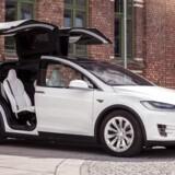 Tesla Motors lever for tredje kvartal i træk ikke op til målsætningen for leveringer, da firmaet kæmper med produktionen af modellen Model X.