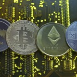 Kryptovalutaer som Ripple, Bitcoin, Etherum og Litecoin er meget svære at holde styr på for verdens finanstilsyn. Illustration: Dado Ruvic/Reuters