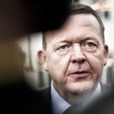 Lars Løkke har inviteret til forhandlinger om den nye trekløver regering på Marienborg d. 21. november 2016. Her fotograferet efter forhandlingerne hvor statsministeren mødte pressen