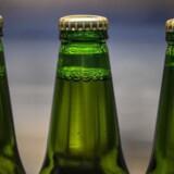 Kræftens bekæmpelse vil sætte aldersgrænsen for køb af al slags alkohol op til 18 år. Lige nu kan øl og vin købes af 16-årige, mens stærkere spritirus kun kan købes af 18-årige.