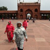 Indian Muslim women visit the Jama Masjid mosque in New Delhi on August 22, 2017. India's top court on August 22 banned a controversial Islamic practice that allows men to divorce their wives instantly, ending a long tradition that many Muslim women had fiercely opposed. / AFP PHOTO / Prakash SINGH