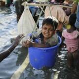 """Situationen, som af FN betegnes som """"verdens hastigst voksende flygtningekrise"""", har vakt international opmærksomhed og skarp kritik fra flere lande."""