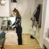 22-årige Sofie Dalsgaard Seiersen nåede at bo syv steder i København, inden hun kom ind på et kollegie efter to års boligsøgning. Man skal søge bredt og acceptere, at man ikke får drømmeboligen i første omgang, lyder hendes råd.