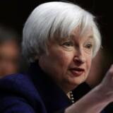 Federal Reserve har for anden gang på 10 år hævet renten. Konkret hæves styringsrenten fra 0,5 pct. til 0,75 pct., oplyser centralbanken efter det to dage lange møde i rentekomiteen.