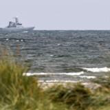 Dykkere søger i dag efter den forsvundne journalist i Køge Bugt.