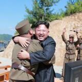 Tirsdag affyrede Nordkorea et interkontinentalt missil. Det har mødt modstand verden over. KCNA/via REUTERS