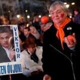 Det ungarske regeringsparti med premierminister Viktor Orbán i spidsen vil næppe kunne vinde flertal på to tredjedele i parlamentet, vurderer partiets parlamentsmedlem Gergely Gulyás.