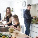 Danskerne spiser mindre kød. Det gælder også familien Holmgaard i Greve. Fra venstre: Jalte, Jannie, Jasmin, Jesper og Jonas.