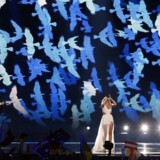epa05962141 Kasia Mos from Poland performs the song 'Flashlight' during the Grand Final of the 62nd annual Eurovision Song Contest (ESC) at the International Exhibition Centre in Kiev, Ukraine, 13 May 2017. EPA/SERGEY DOLZHENKO